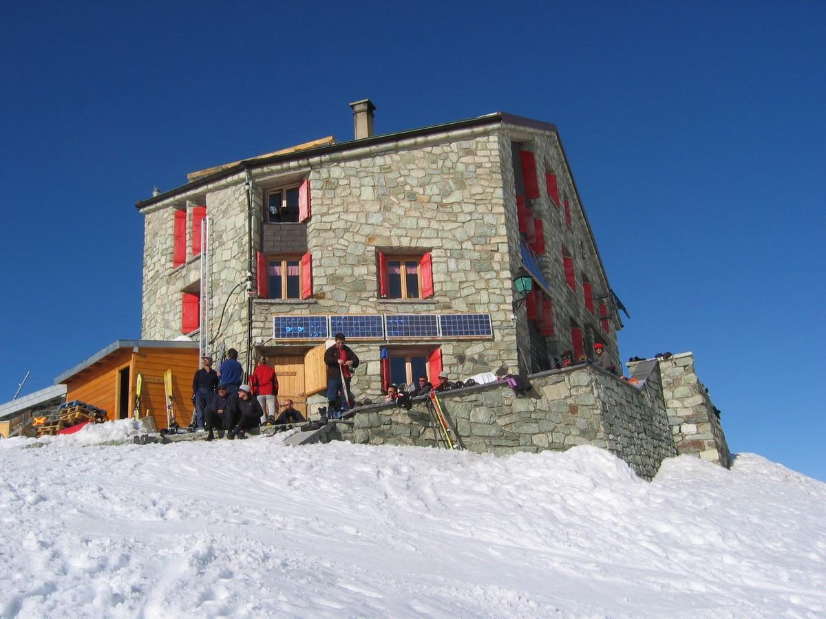 La haute route chamonix zermatt en ski de randonnee for Haute route des alpes